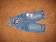 Продам джинсовый комбинезон на девочку.