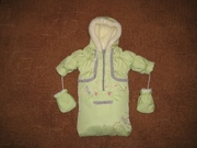 Новенький конвертик на овчинке для новородженого и курточка с комбинезоном для годовалого карапуза