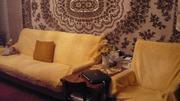 Диван с двумя креслами и журнальный столик