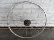 Заднее велоколесо на 28 дюймов с немецкого велосипеда.